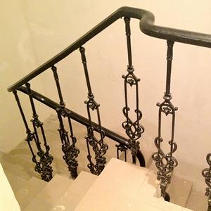 Разновидности ограждений для лестниц