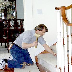 Как отремонтировать поврежденную ступень лестницы?